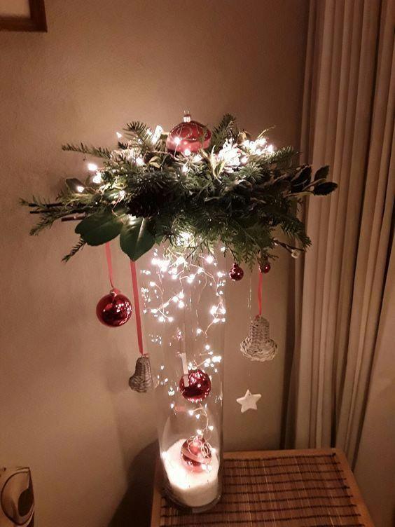 χριστουγεννιάτικη διακόσμηση: Βάζο με χοντρό αλάτι και χριστουγεννιάτικα στολίδια