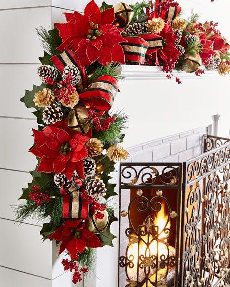 Χριστουγεννιάτικος στολισμός για το τζάκι με κόκκινα στολίδια