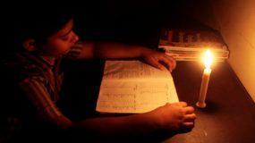 Πατέρας Συγκλονίζει: Κόψε το ρεύμα σε μία ώρα, τώρα κάνει μάθημα το παιδί μου