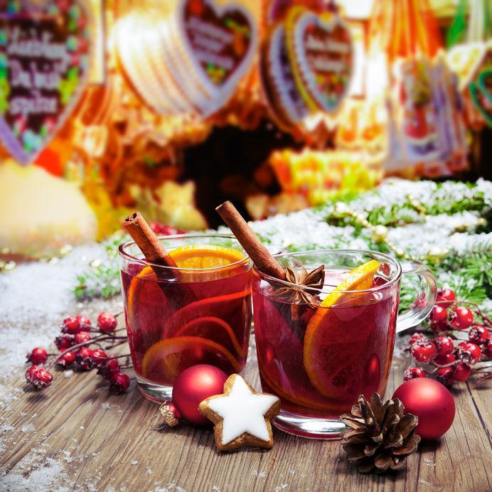 Gluehwein: Συνταγή για Χριστουγεννιάτικο ζεστό γλυκό κρασί