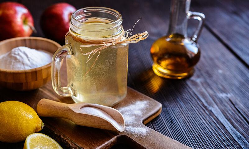 σπιτικό γιατροσόφι με μηλόξυδο για τον ξηρό βήχα