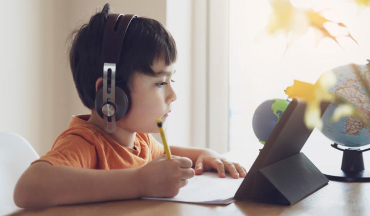 Τηλεκπαίδευση: Οι δάσκαλοι δεν πρέπει να δυσκολεύουν τα παιδιά στα μαθήματα
