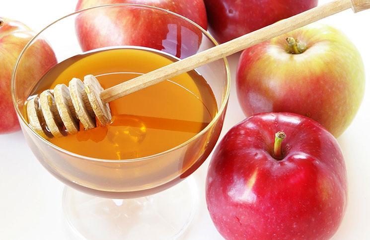 Σπιτική μάσκα προσώπου για λιπαρές επιδερμίδεςμε μήλο