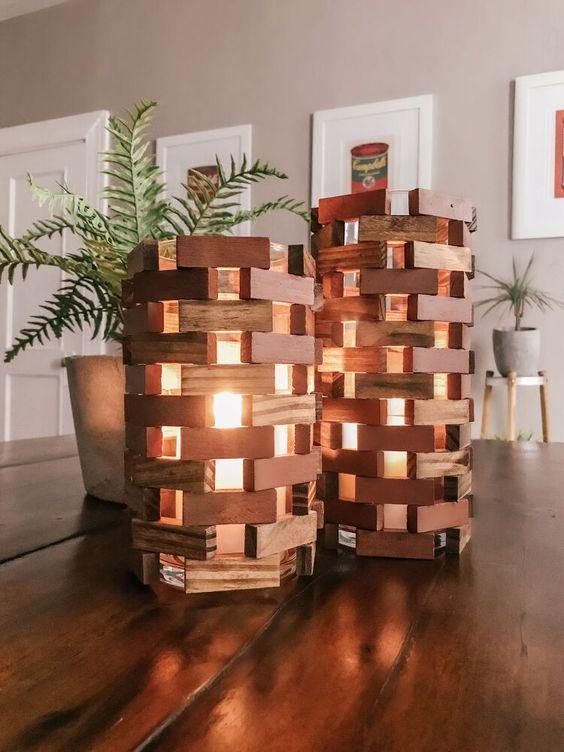 Φθηνή ιδέα διακόσμησης σπιτιού με κηροπήγια και κεριά