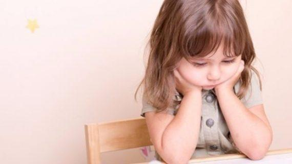 """""""Ο,τι δεν λες στον γονέα, δεν λες & στον εαυτό σου"""" : Είναι σημαντικό τα παιδιά να μιλούν για τα προβλήματα τους στους γονείς"""