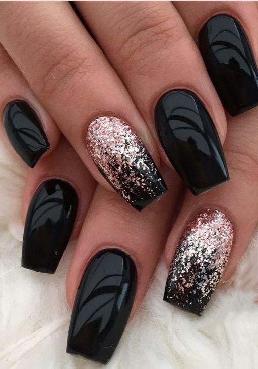 μαύρα νύχια με στρας