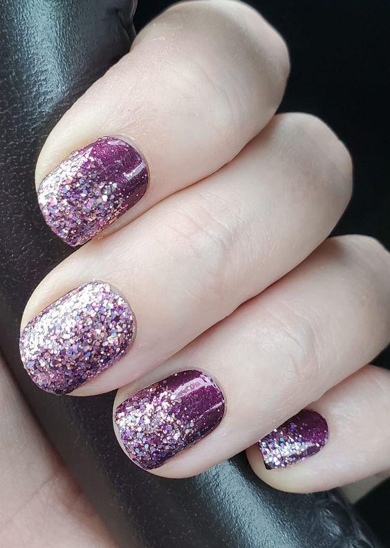 μοβ νύχια με στρας
