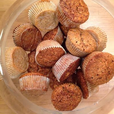 Cupcakes με άρωμα μελομακάρονο