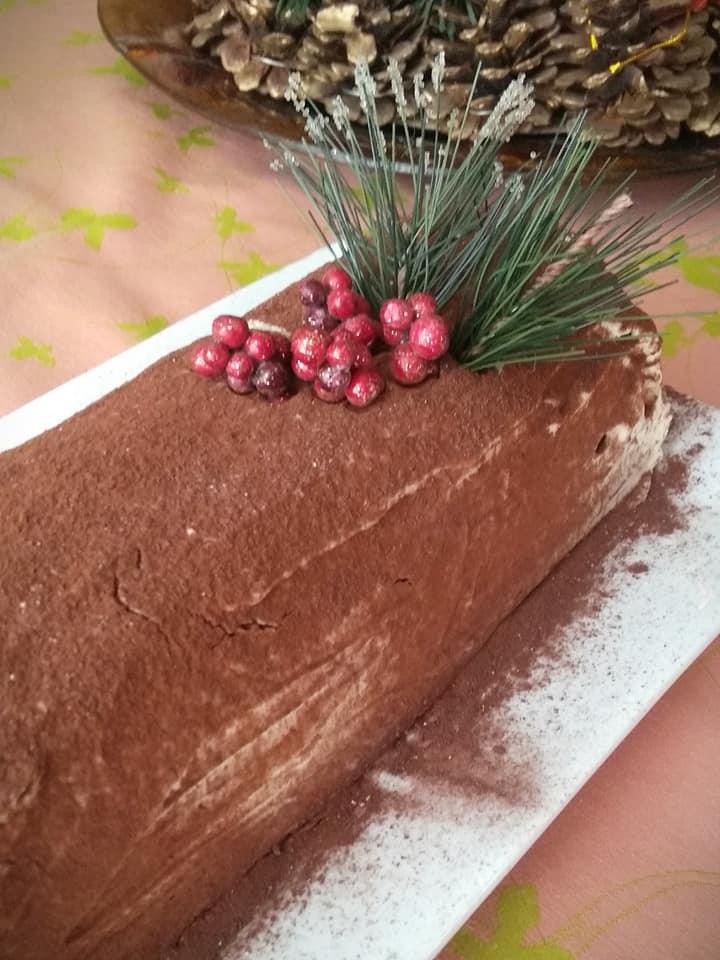 πρωτοχρονιάτικος κορμός με γλυκό του κουταλιού πορτοκάλι και παντεσπάνι σοκολάτας συνταγή
