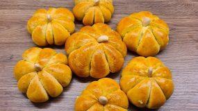 (Για το Σάββατο) Αφράτα ψωμάκια με κολοκύθα – Σκέτος αφρός