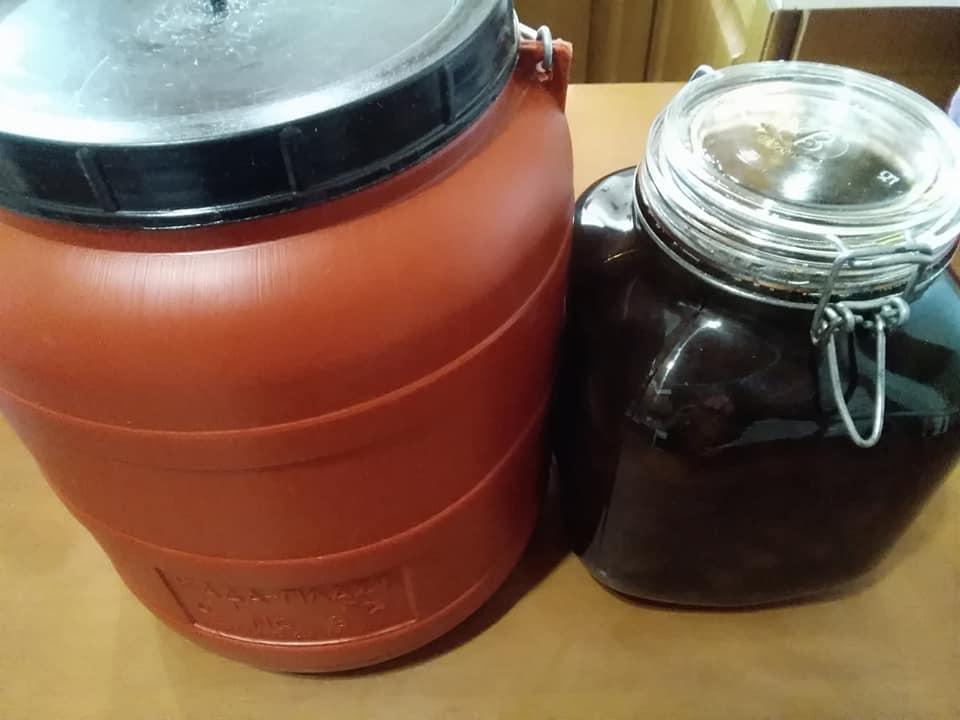 Ο τρόπος για να φτιάξουμε ξιδάτες ελιές Καλαμών