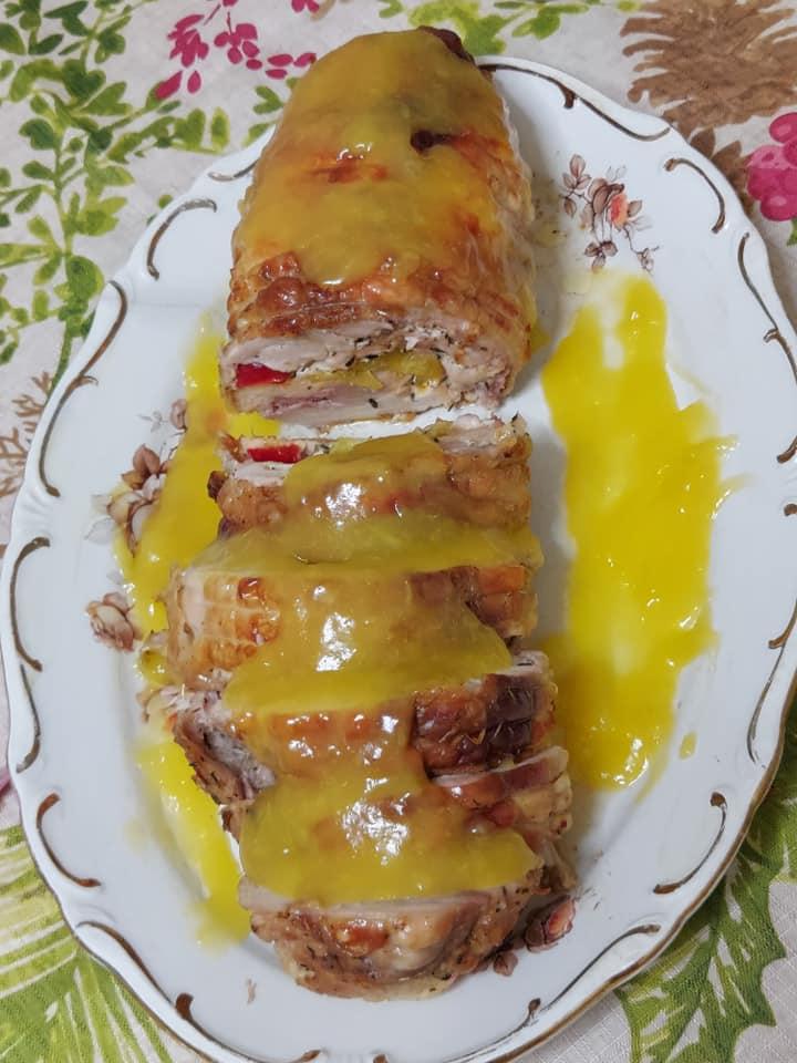 Πρωτοχρονιάτικο ρολό κοτόπουλο με σάλτσα πορτοκάλι & μελωμένες πατάτες φούρνου συνταγή