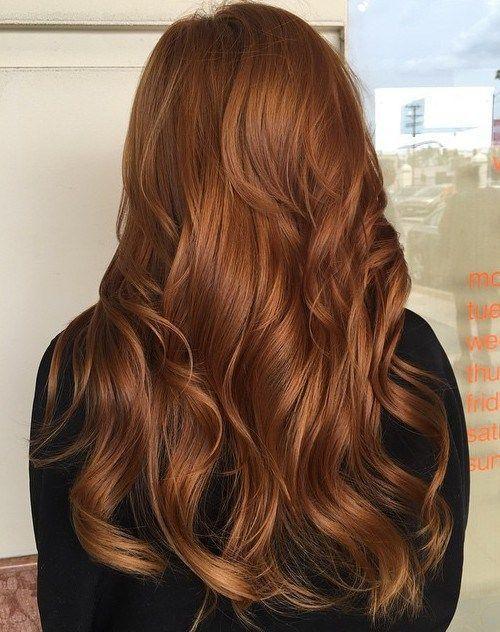 καστανά μακριά μαλλιά