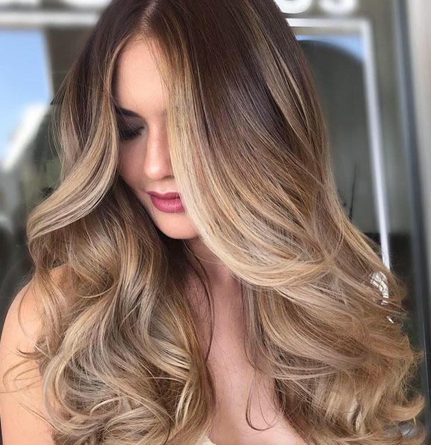 Μελί ξανθά μακριά μαλλιά μαλλιά
