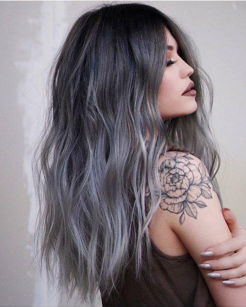 γκρι μακριά μαλλιά