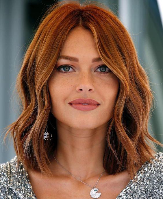 κόκκινα τζίντζερ καρέ μαλλιά