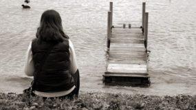 Το παιδί βρίσκεται στην εφηβεία, δεν έχει παρέες & δεν βγαίνει βόλτα – Τι μπορούμε να κάνουμε;