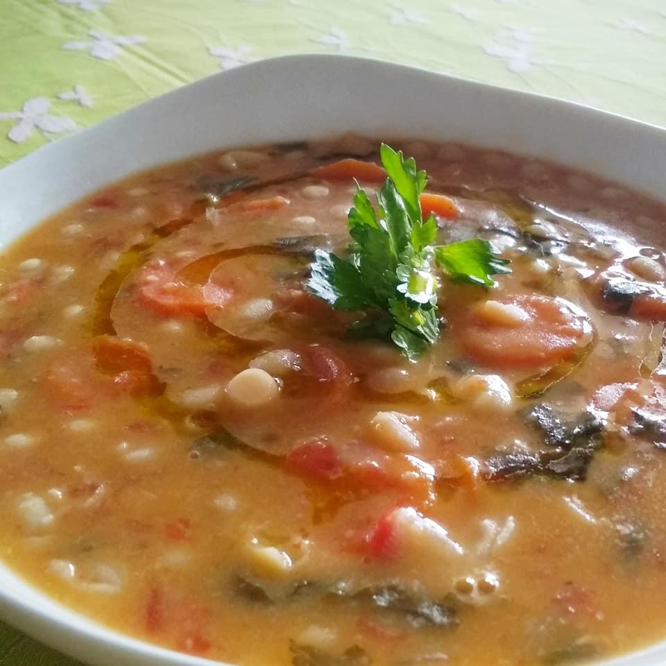 Χυλωμένη φασολάδα με λαχανικά_