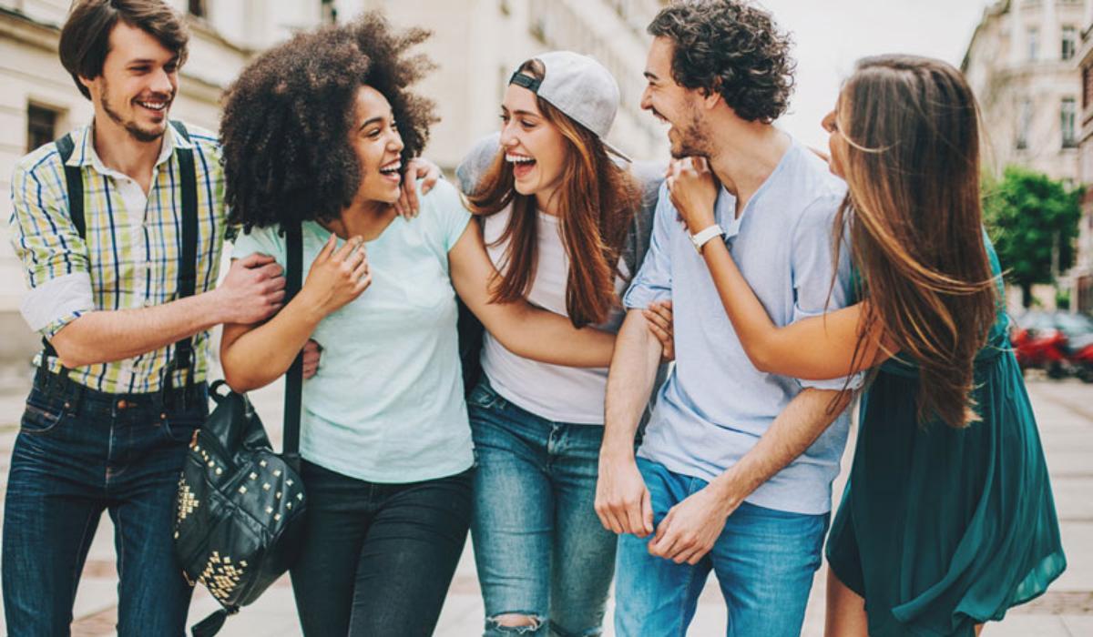 Η σημασία της φιλίας στην εφηβεία – Γιατί οι έφηβοι βάζουν πάνω από όλα τους φίλους τους;