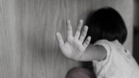 """Σοκάρει η μαρτυρία της 5χρονης στο Κορωπί: """"Μαμά  κάποιος μου κατέβασε το βρακάκι"""""""
