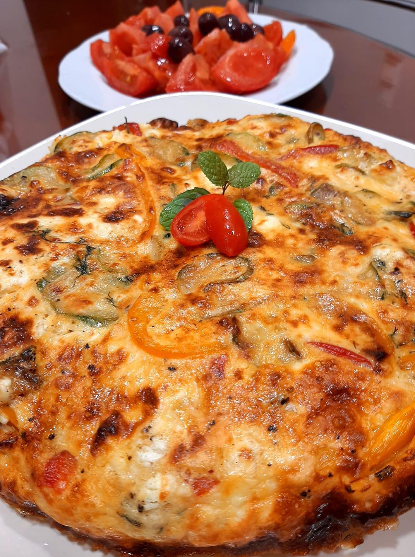 Frittata με κολοκυθάκια, φέτα και πιπεριές_Συνταγή_