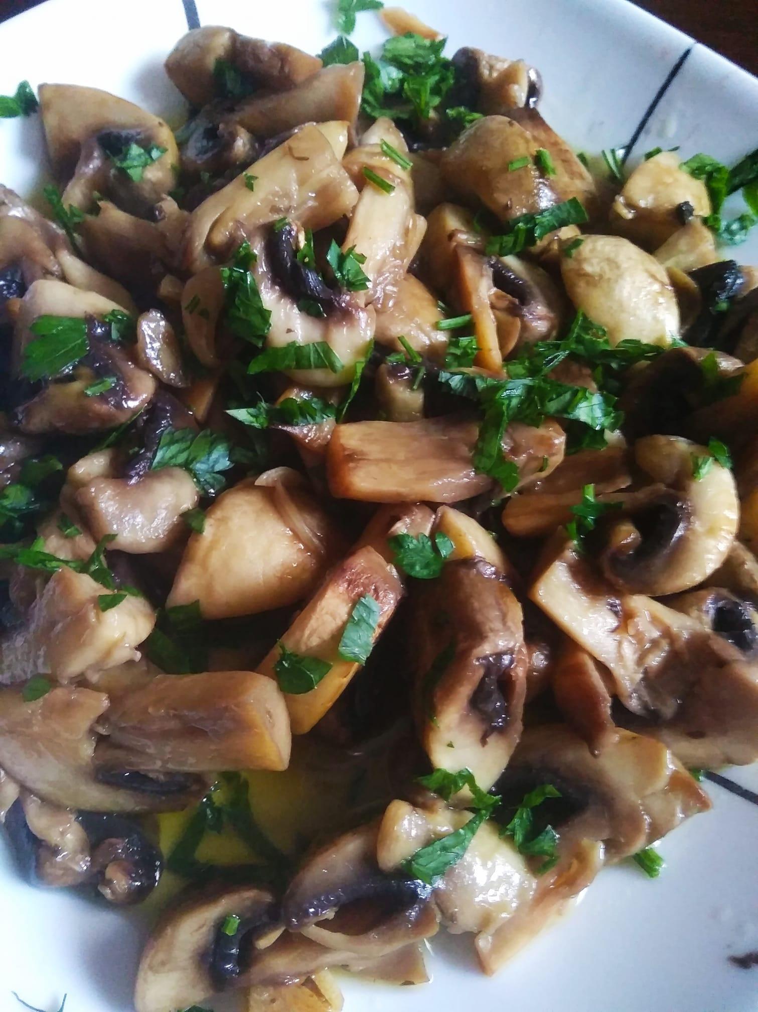 Συνταγή_ για μανιτάρια_ σοτέ_