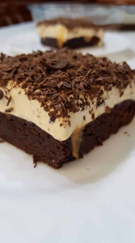 brownie_ με κρέμα_ καραμέλας_
