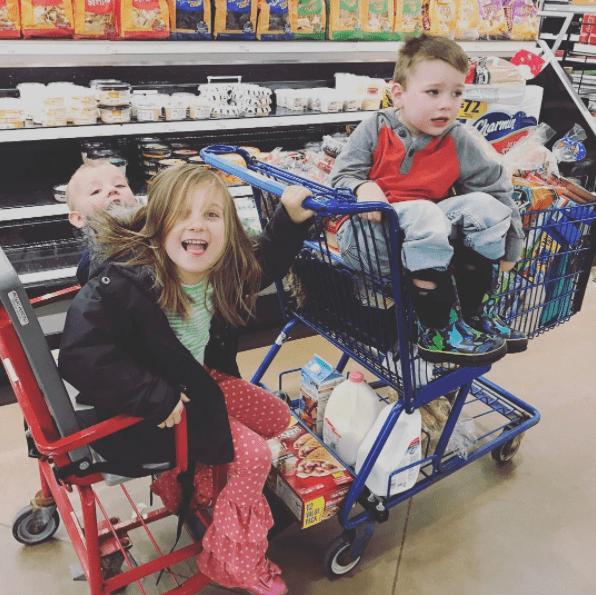 παιδιά _στο supermarket_