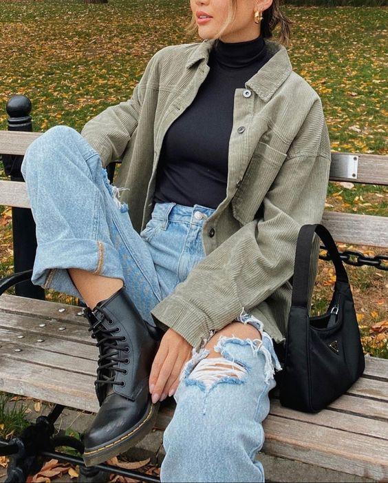 Κοτλέ_χακί jacket_με_jean παντελόνι_και_μαύρο ζιβάγκο_Κοτλέ ρούχα_