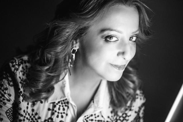 Νέα καταγγελία από γνωστή τραγουδίστρια : Ήμουν 15 ετών και με κλείδωσε στο σπίτι του και με κυνηγούσε γυμνός