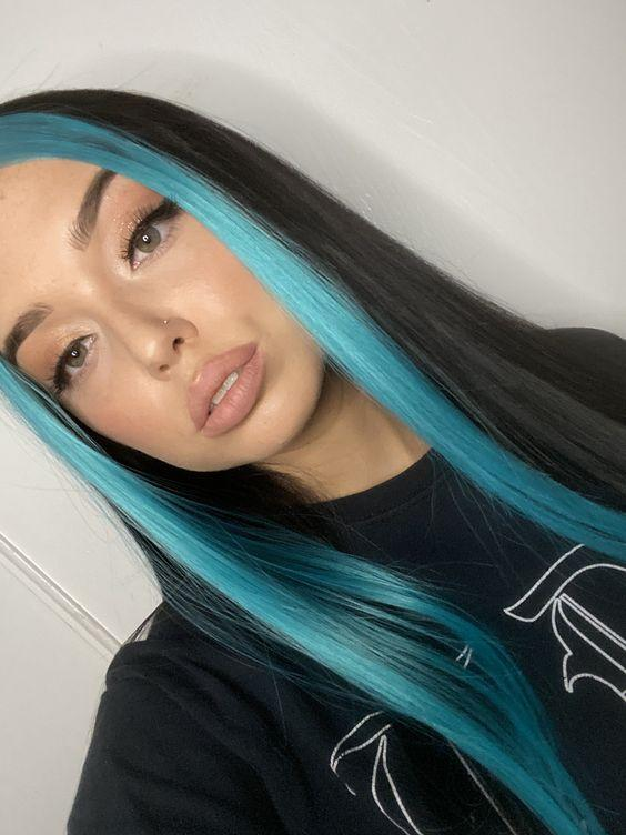 γαλάζια_money_pieces_σε_μακριά_μαύρα_μαλλιά_