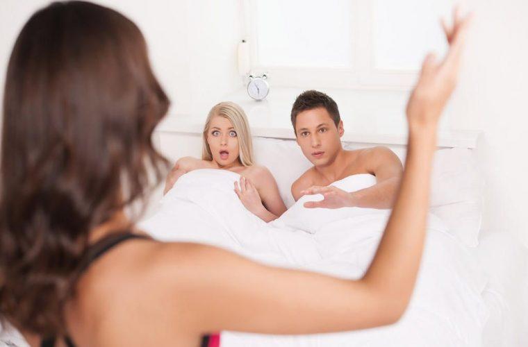 Το κόλπο μιας γυναίκας για να ανακαλύψει αν την απατά ο άνδρας της! Το viral βίντεο του TikTok