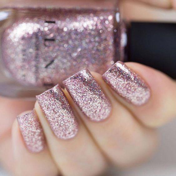 νύχια_με_ροζ γκλίτερ_