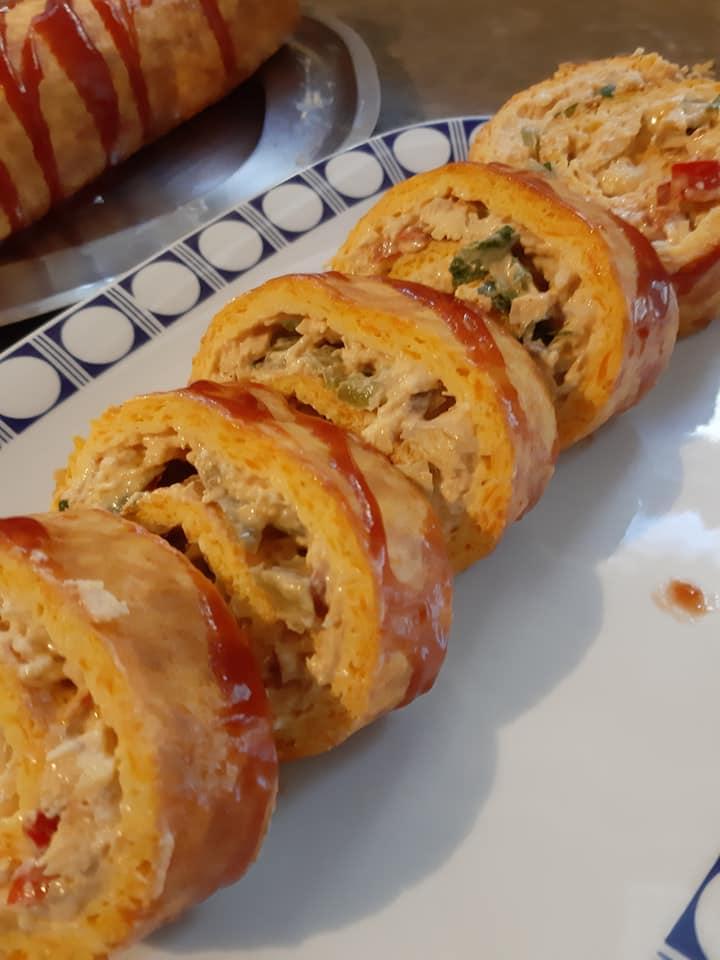 Ρολό ομελέτας με κοτόπουλο_ πιπεριές και καρότο_