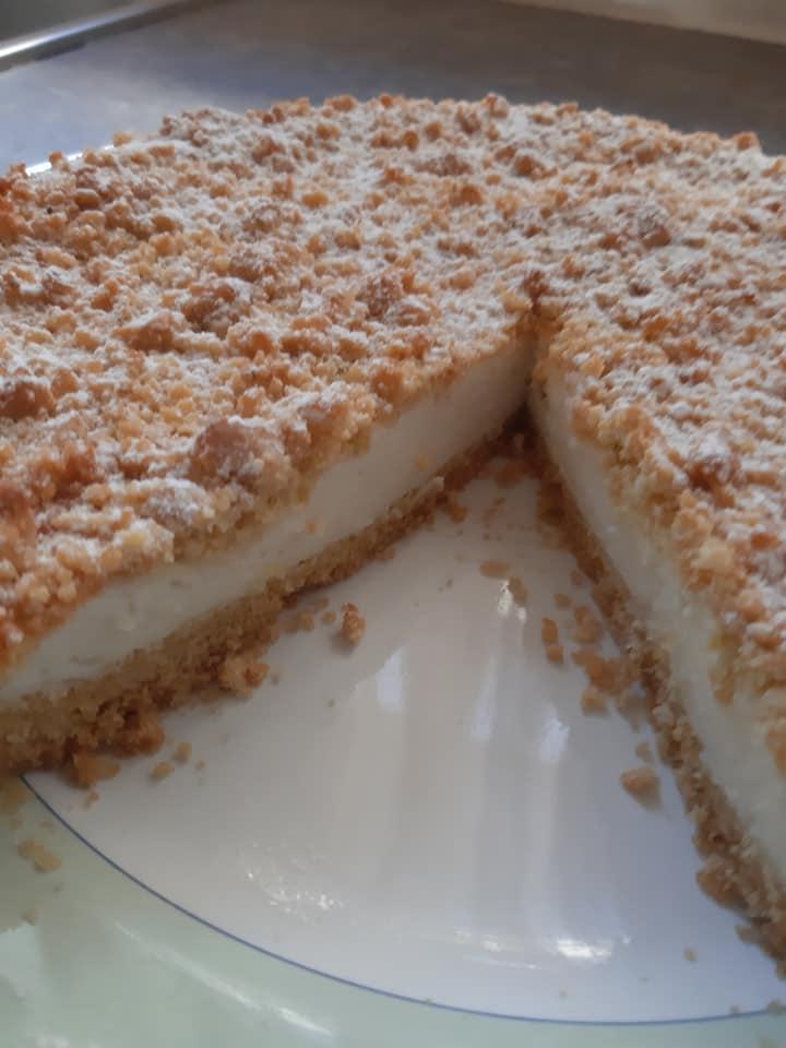 κραμπλ_κέικ με_κρέμα_γιαουρτιού_