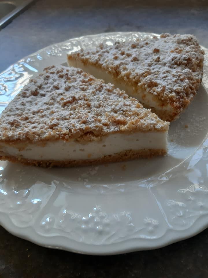 Συνταγή για _κραμπλ_κέικ με_κρέμα_γιαουρτιού_