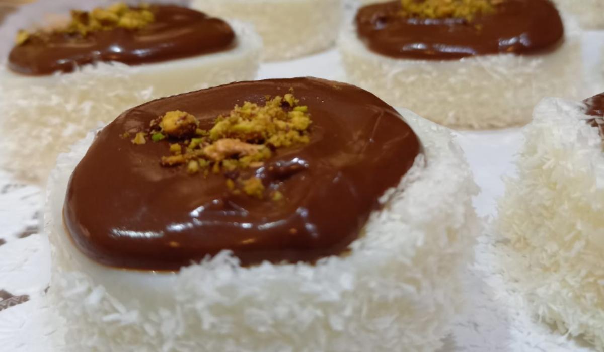 Ατομικά παστάκια με σοκολάτα και καρύδα_
