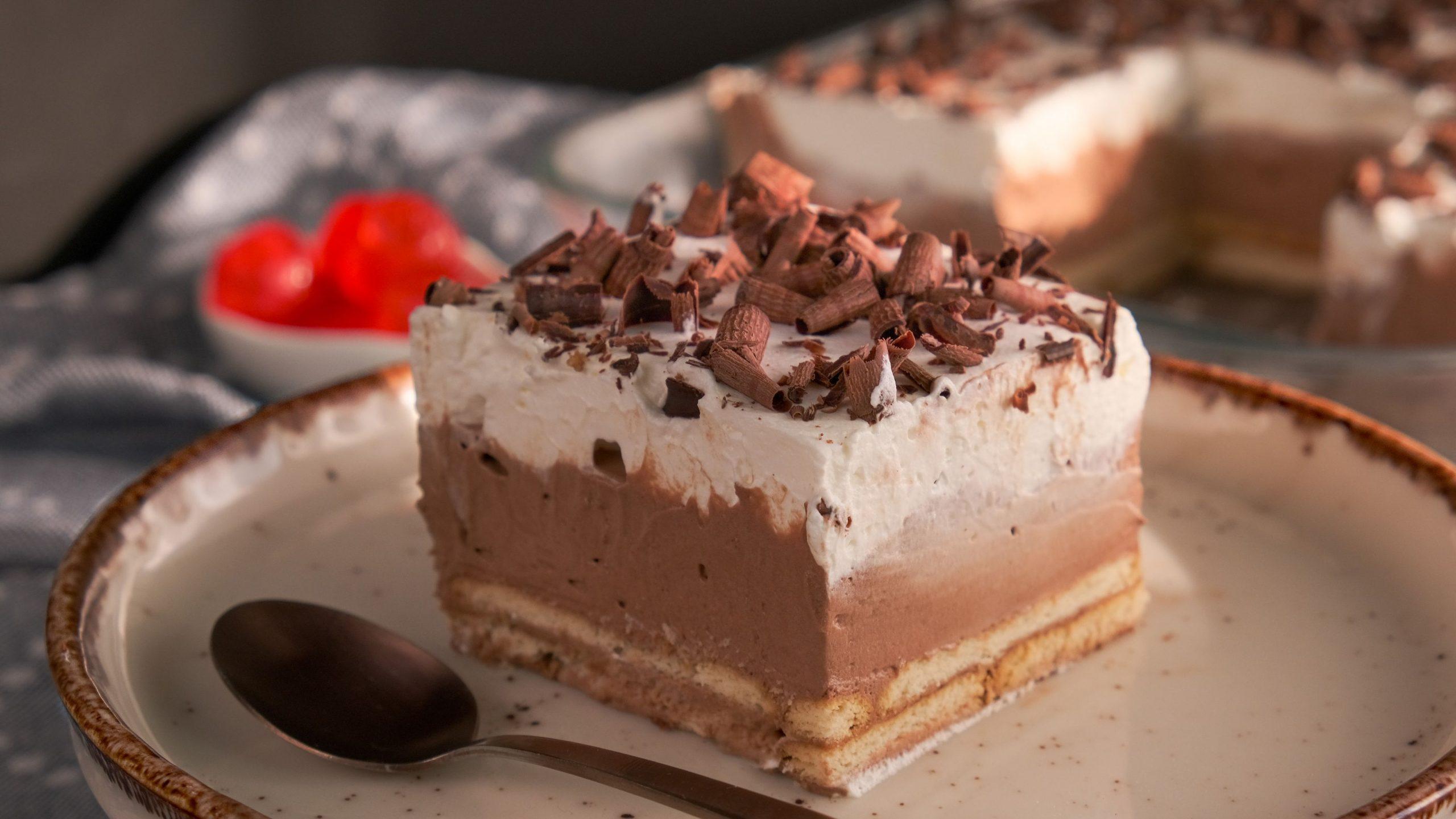 Συνταγή για_Γλυκό ψυγείου_ με σοκολάτα_ και μπισκότα_