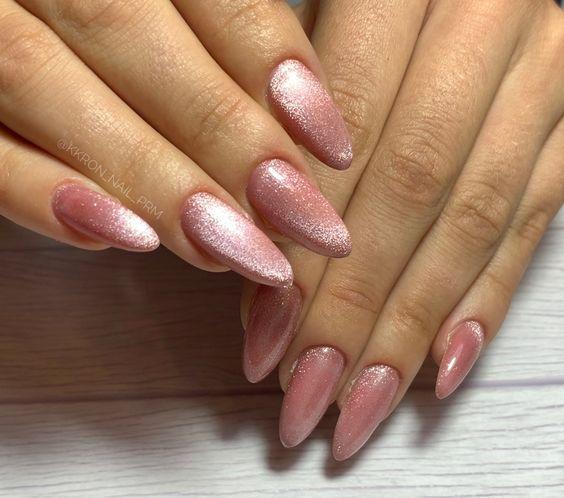 ιδέες_για_velvet nails_σε_ροζ_χρώμα_
