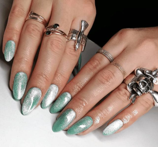 ιδέες_για_velvet nails_σε_θαλασσί_χρώμα_