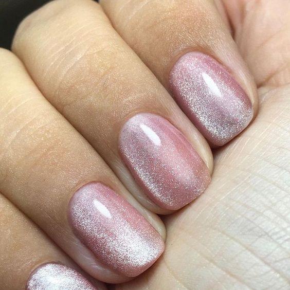 ιδέες_για_velvet_nails_σε_ροζ_χρώμα_