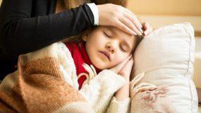 Εμπύρετες λοιμώξεις και κορονοϊος στα παιδια: Παιδίατρος κρούει τον κώδωνα_