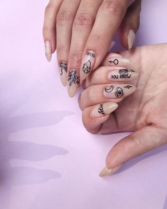 indie nails_με_rock_σχέδια_