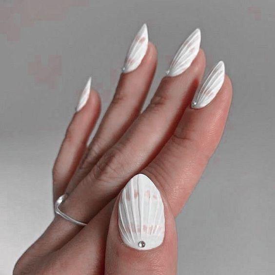seashell nails_σε_λευκό_χρώμα_
