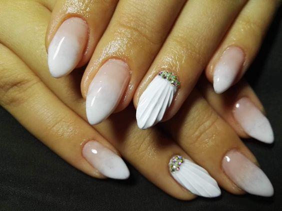 seashell_nails_με_λευκό_του_πάγου_