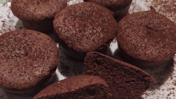 Cupcakes χωρίς αλεύρι με μόνο 2 υλικά