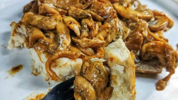 Ψητή πέρκα με σάλτσα μανιταριών