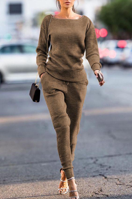 loungewear_γυναικείο outfit_σε_κοτλέ_σχέδιο_