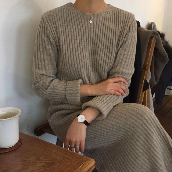 loungewear_γυναικείο outfit_με_πλεκτό_φόρεμα_