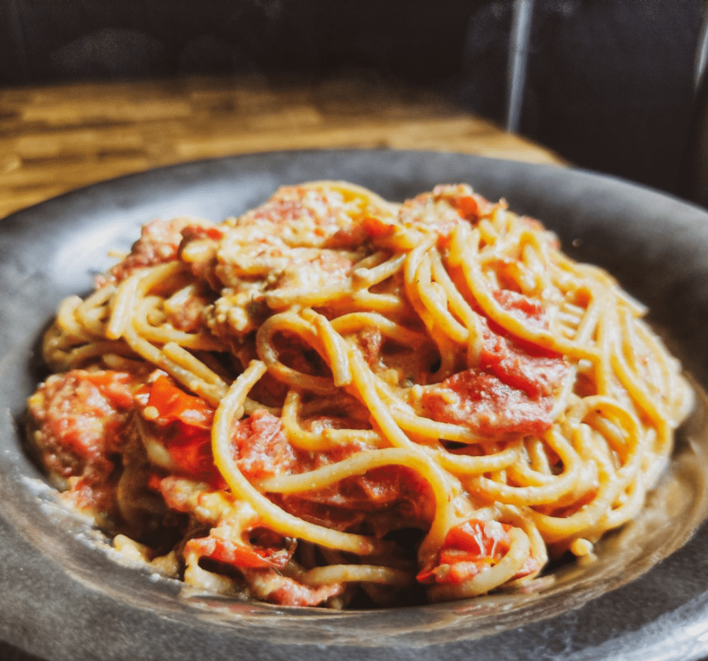 tiktok Pasta : Μακαρόνια με φέτα και ντοματίνια στο φούρνο_Συνταγη _